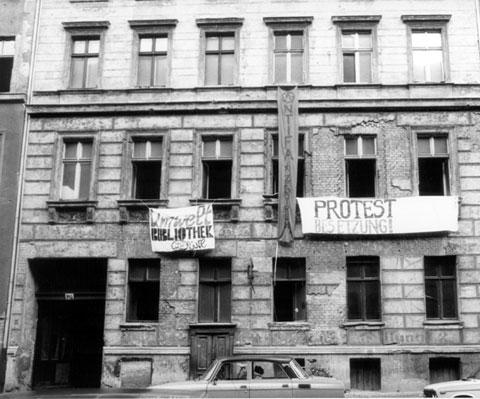 Besetzung Lottumstr.10a, in Prenzlauer Berg - 16. Jaanuar 1990