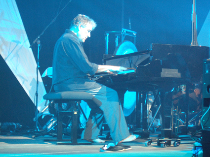 Fred Frith_Moers 2013.JPG