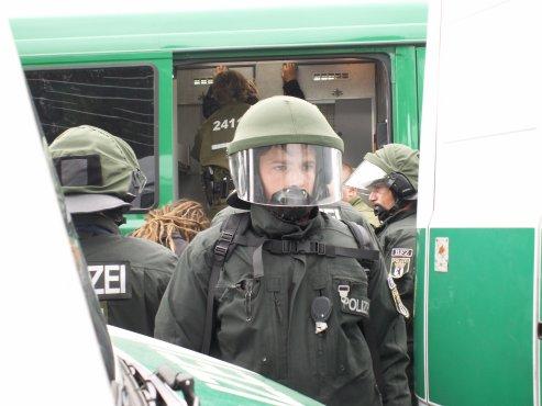 VerhaftungLegalTeam.jpg